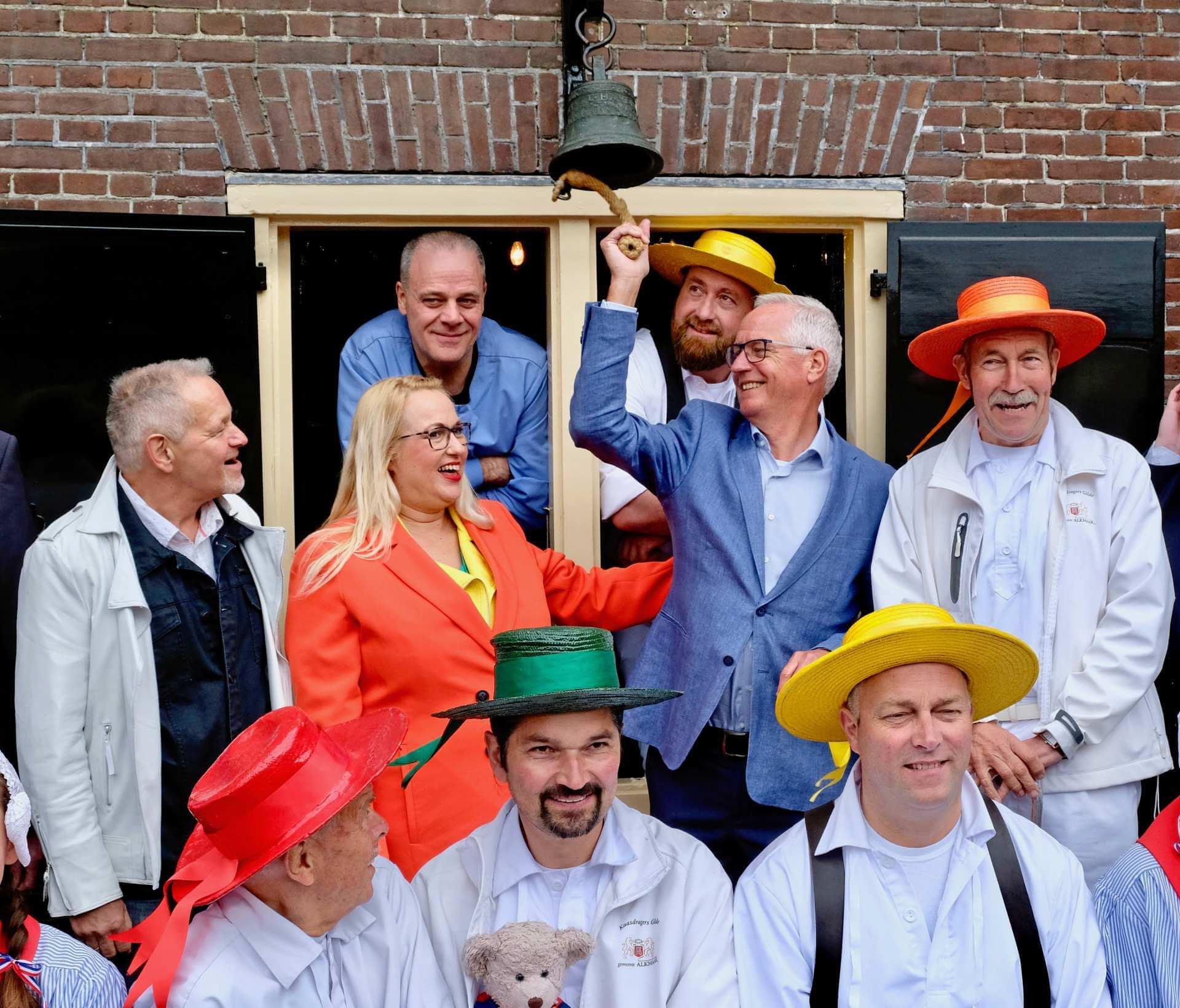 Opening-van-de-kaasmarkt-in-alkmaar